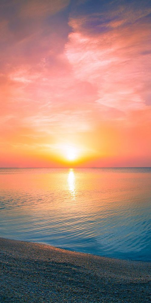 Pic of the Day…Oceans Away 🌤️ -------------- #beach #sunrise #sunrises #tropics #travel #beaches