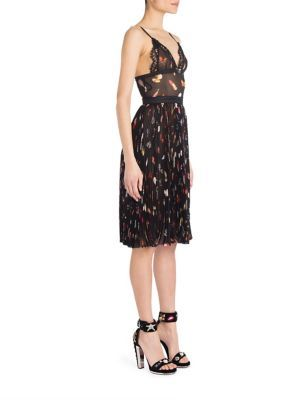 ALEXANDER MCQUEEN Silk Accordion Pleated Dress. #alexandermcqueen #cloth #dress