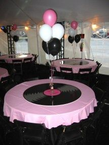 Table Deco For 50 S Or Rockabilly Grease Party 50s Theme
