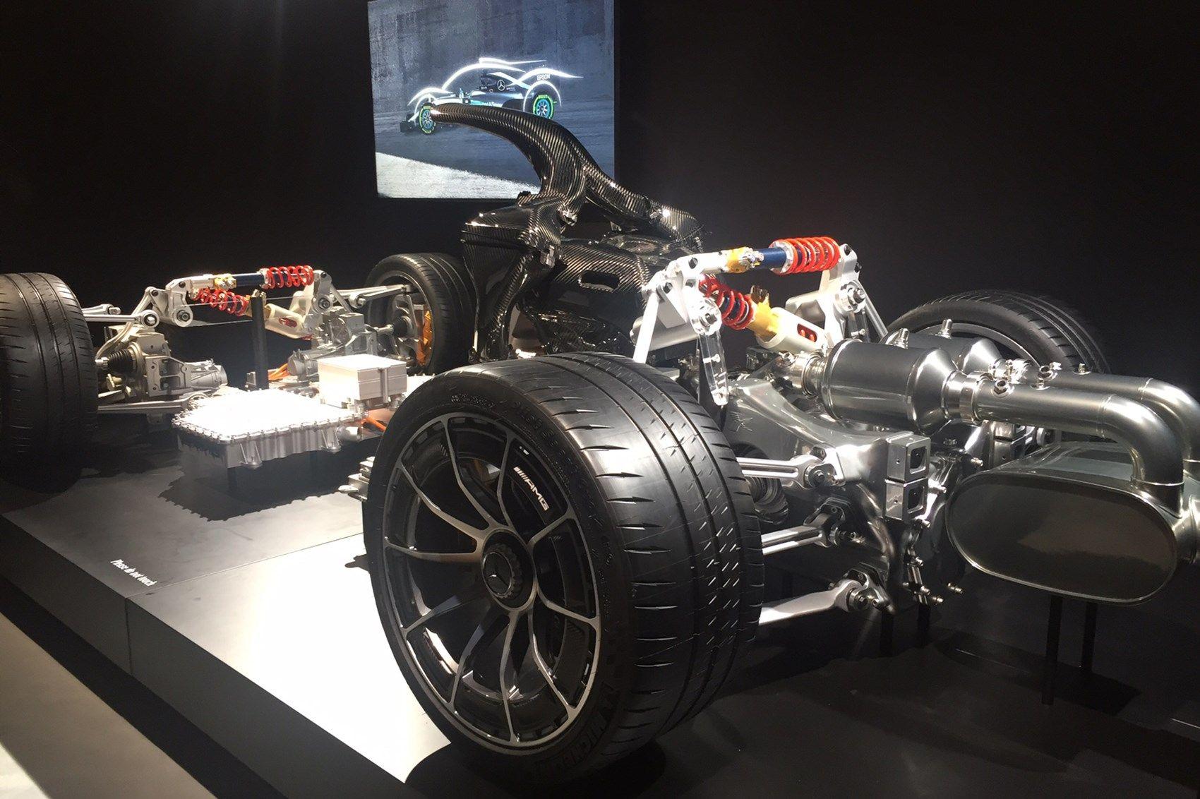 A divisão desportiva da Mercedes aproveitou as 24 Horas de Nürburgring para dar a conhecer os principais dados do seu hiperdesportivo com mais de 1000 cv