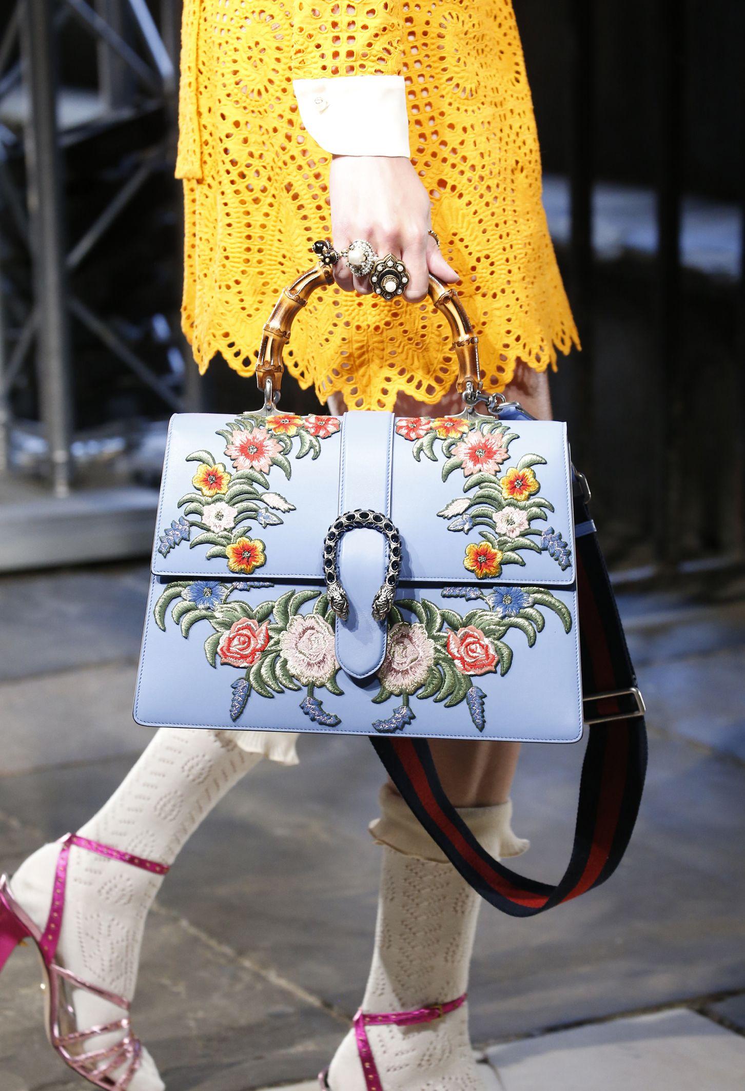 e51a0eeec120 S71 WFS CRUISE Imm LB CLOSE UP300 10 Fashion Bags