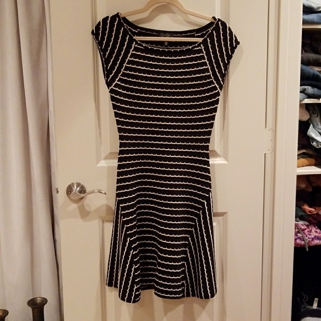 Jessica Simpson Black And White Flare Dress