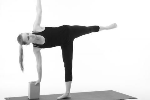 great explanation of a safe half moon pose  via mark