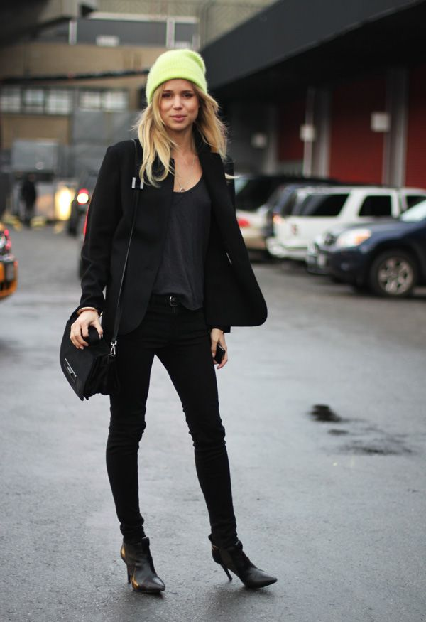 Elin Kling Monochromatic black skinny jeans, tank top jacket and boots Defiantly not that damn hat