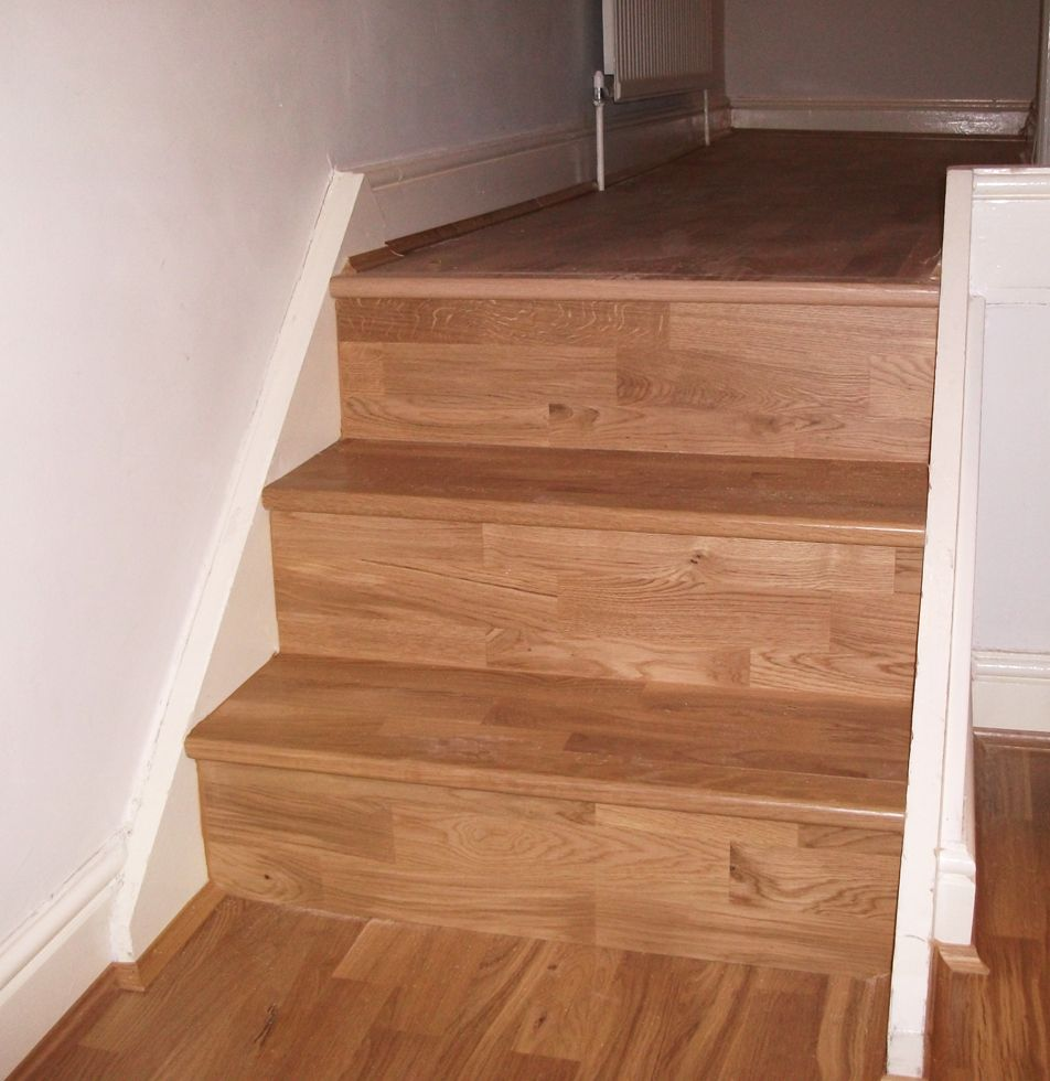 Real Oak Wood Stair Case With Bull Nose Detail