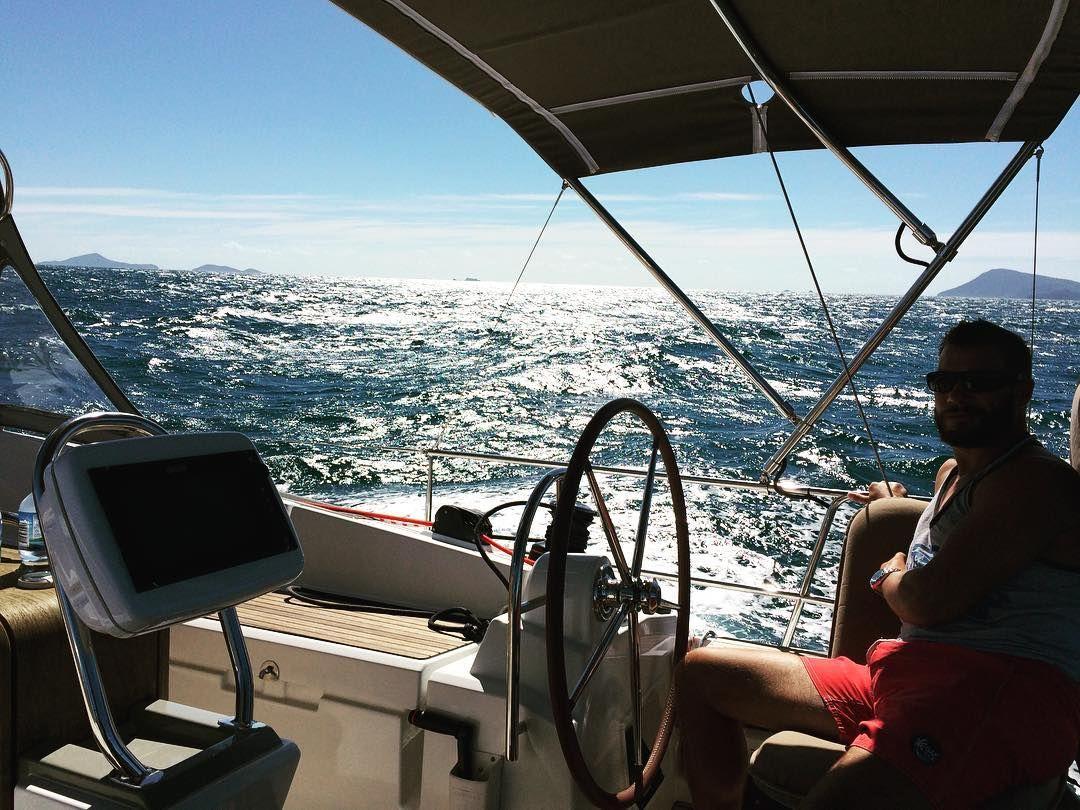 Sailing to Shaw Island Whitsundays. The light making water look like liquid silver. #GreatBarrierReef #whitsundays #adventure #sailingroundtheworld #sailing by sailingvesselsantorini http://ift.tt/1UokkV2