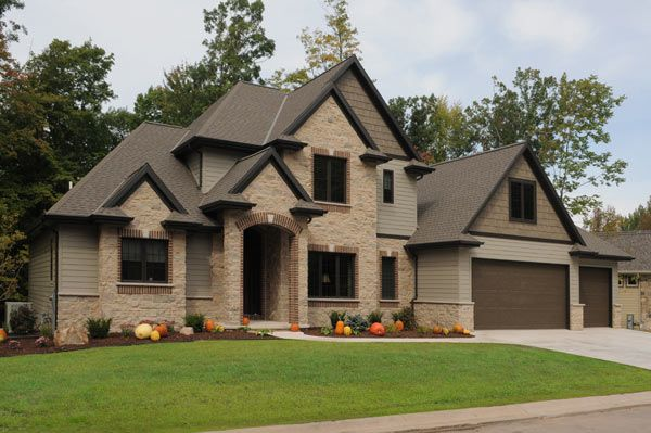 Gorgeous exterior of recent M. Gerhard Construction home built in Northeastern Wisconsin.