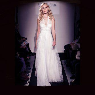 Dune - Collection 2015 d'Ana Quasoar - Robe de mariée en dentelle de Calais brodée  * Jaimemarobe.com * Votre robe de mariée est précieuse. Pour qu'elle reste aussi belle que dans vos souvenirs, préservez-la dans nos coffrets d'exception inspirés des techniques muséales.