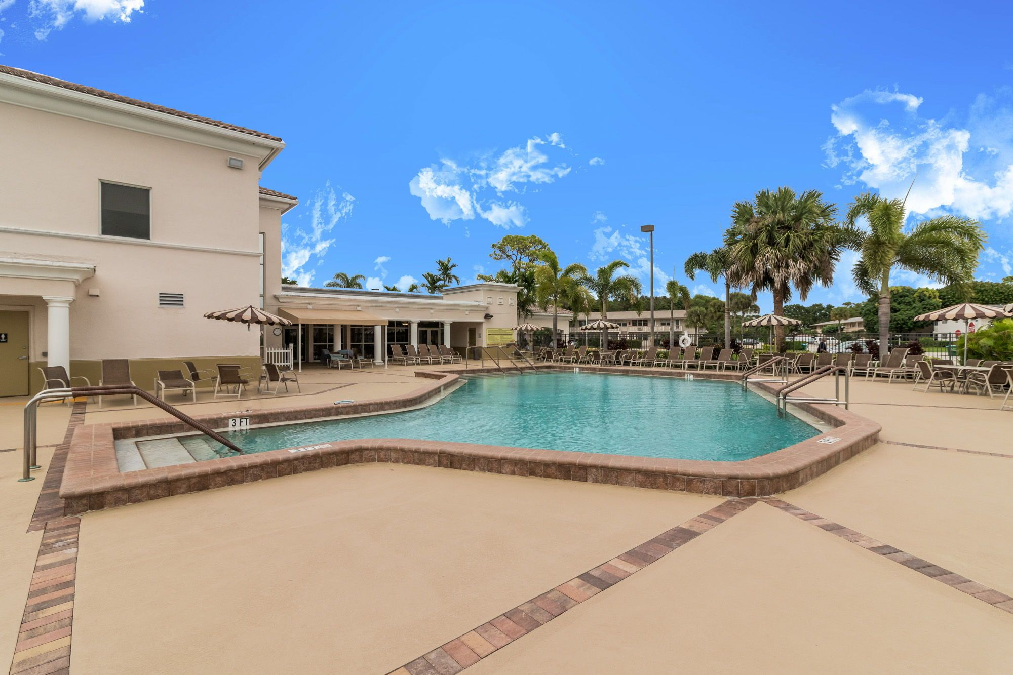 220 Coventry J Century Village West Palm Beach Screened In Patio West Palm