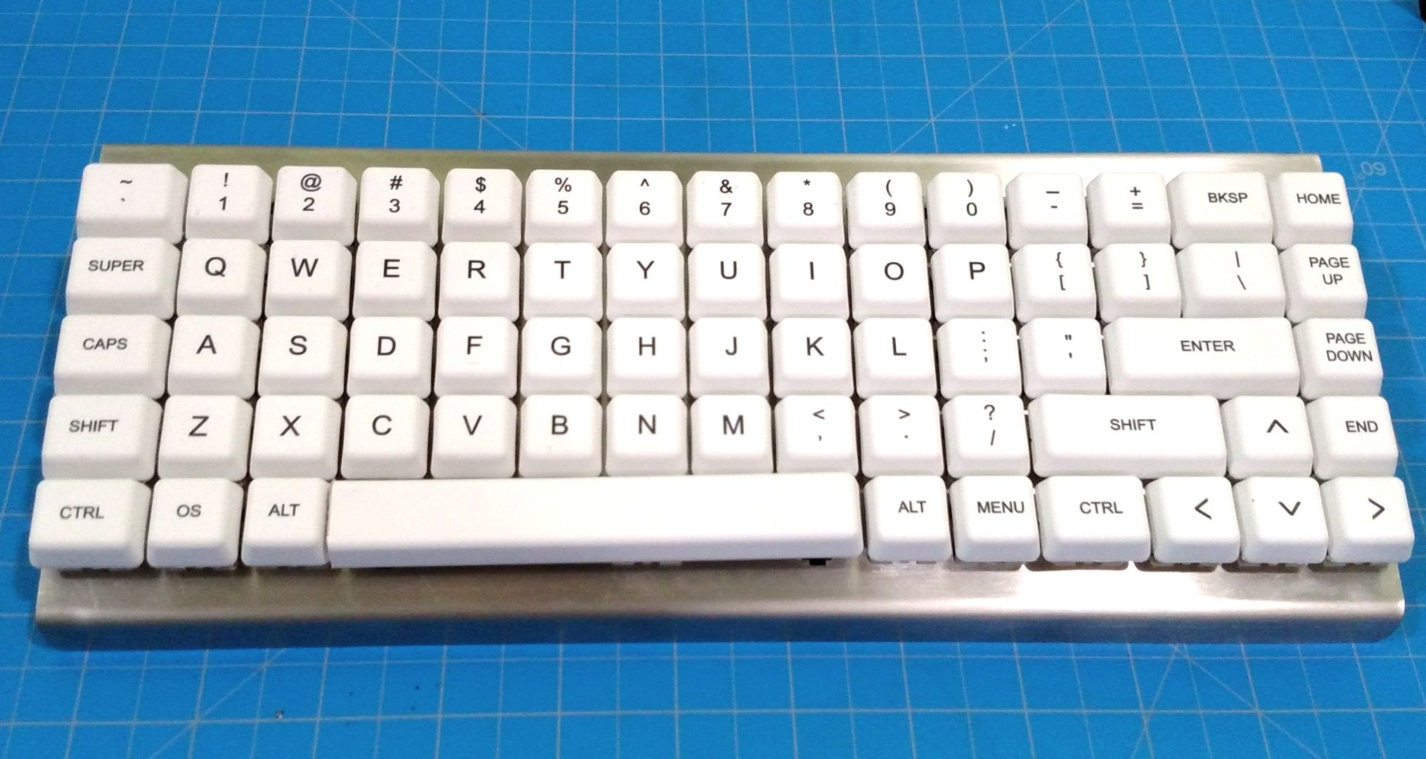 SuperSonik319 - [photos] Hand-wired Backlit Ortholinear