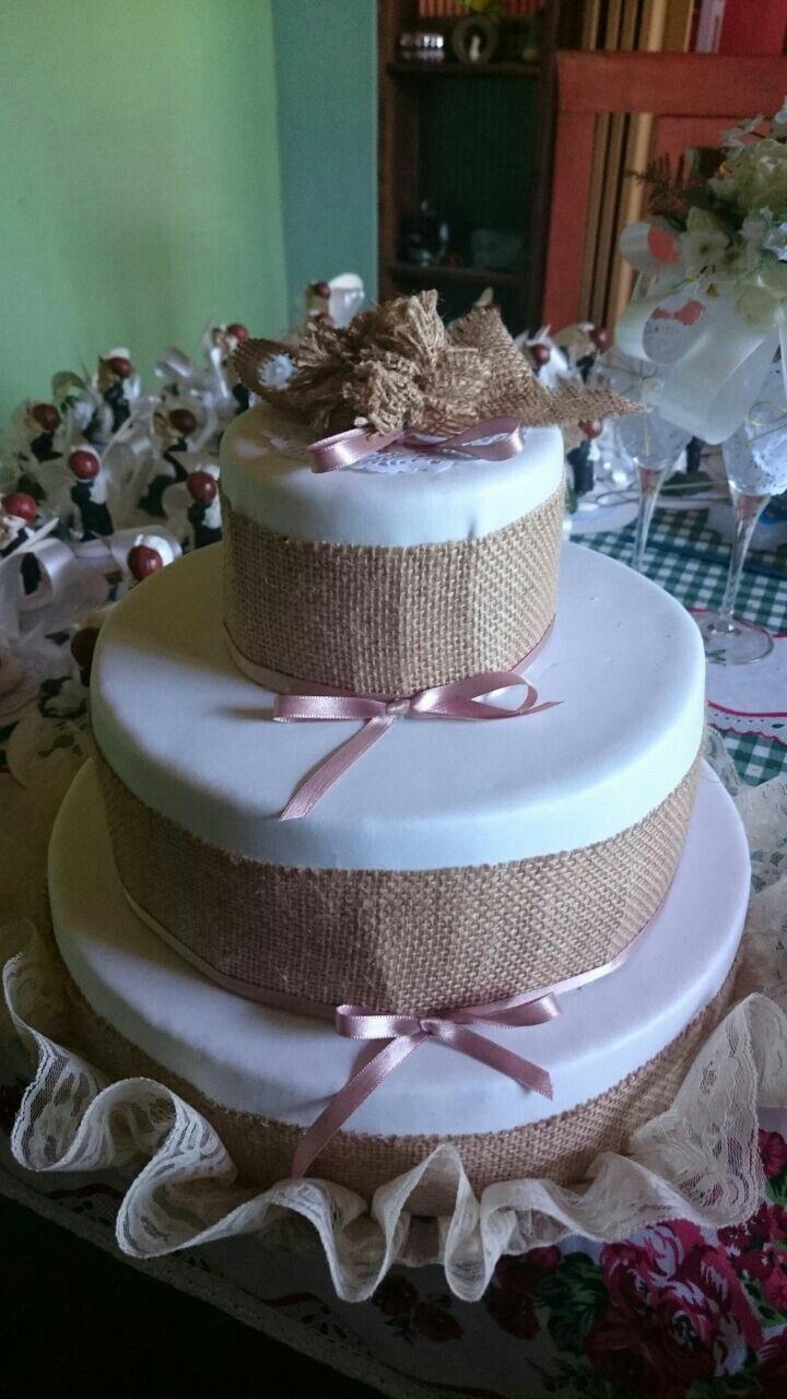 Torta Matrimonio Rustico : Falsa torta de boda estilo rústico