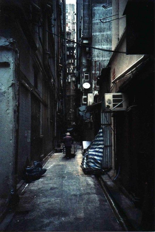 Image Result For Photoshoot City Alley Dark Alleyway