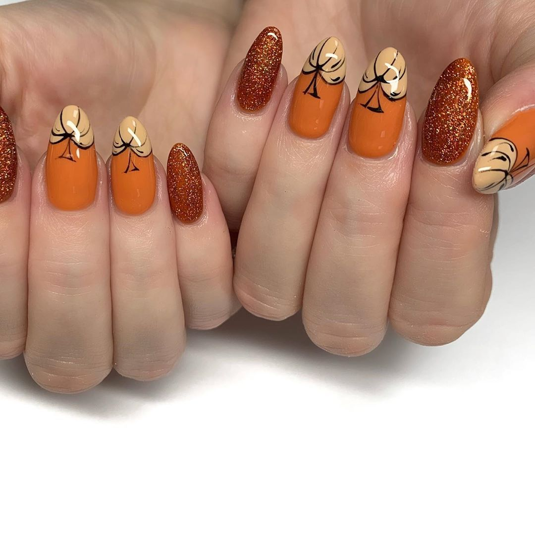 20 Lovely Nail Art Examples with Pumpkin Pattern | Trendy ...