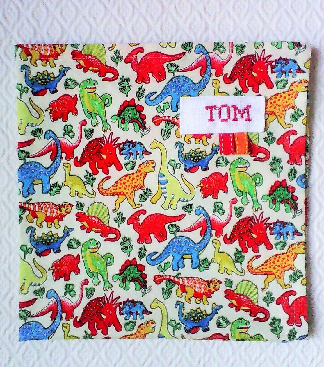 Serviette De Table Enfant No8 Personnalisable Tissu De Coton Petits Dinausores Multicolores Ecole Et Loisirs Serviette De Table Table Enfant Dinausore
