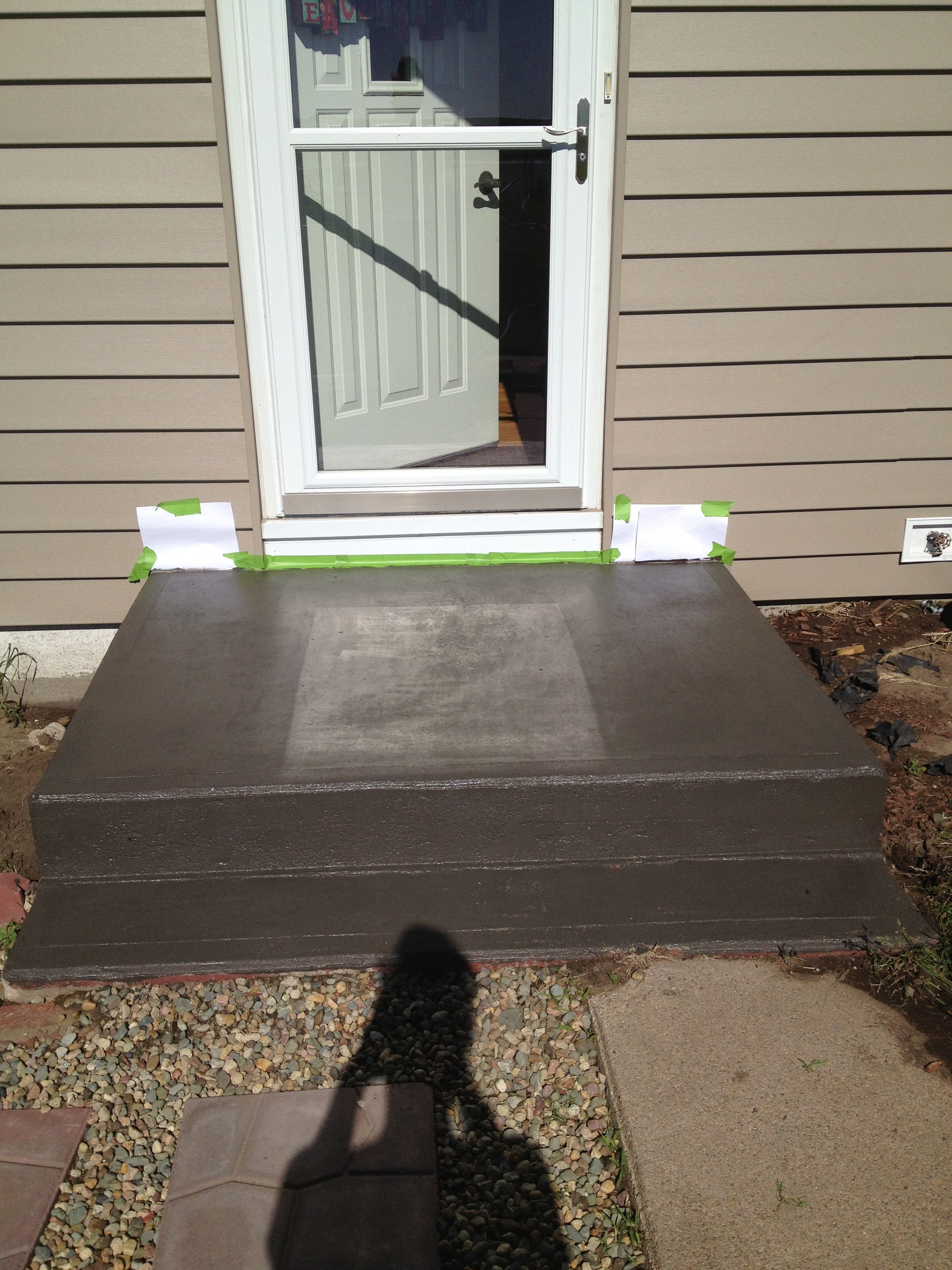 Best Diy Way To Make That Old Front Step Look New Again Paint 400 x 300