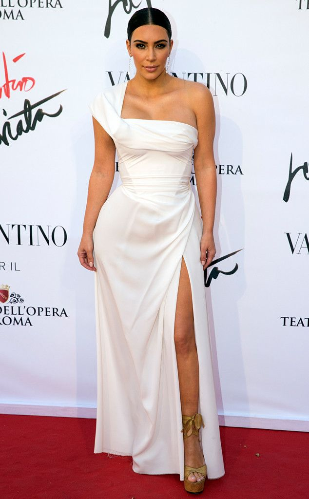 Kim Kardashian Wears Elegant White Gown in Rome With Kanye West | my ...