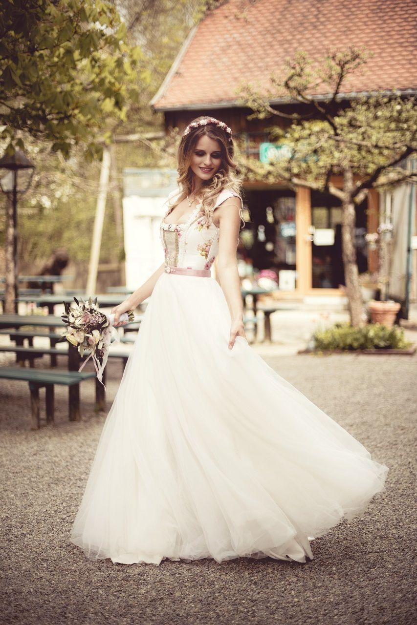 modern bodenlanges Brautdirndl lang Hochzeitskleid Tüll Spitze