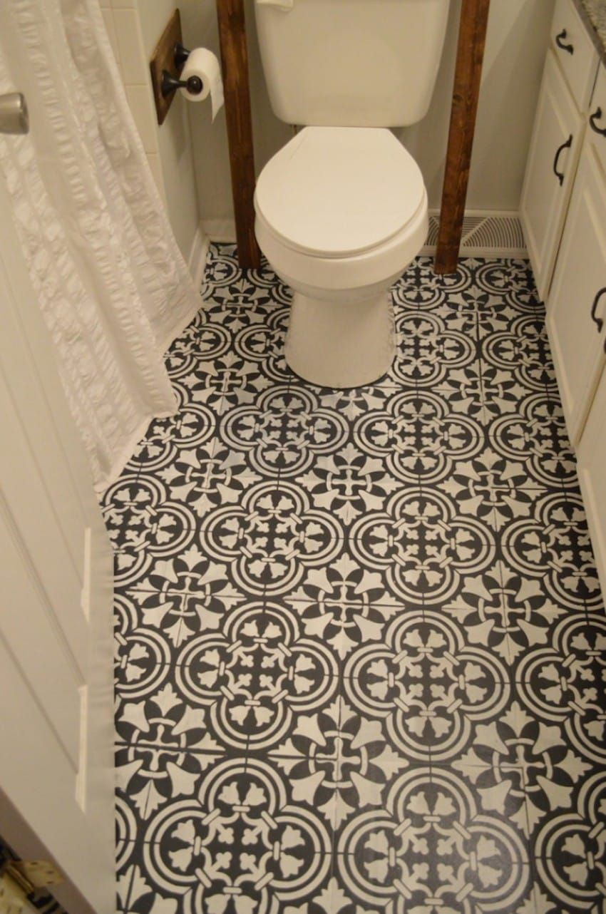 Mom totally transforms her bathroom by dumping black paint onto the mom totally transforms her bathroom by dumping black paint onto the floor and drawing fake tiles dailygadgetfo Gallery