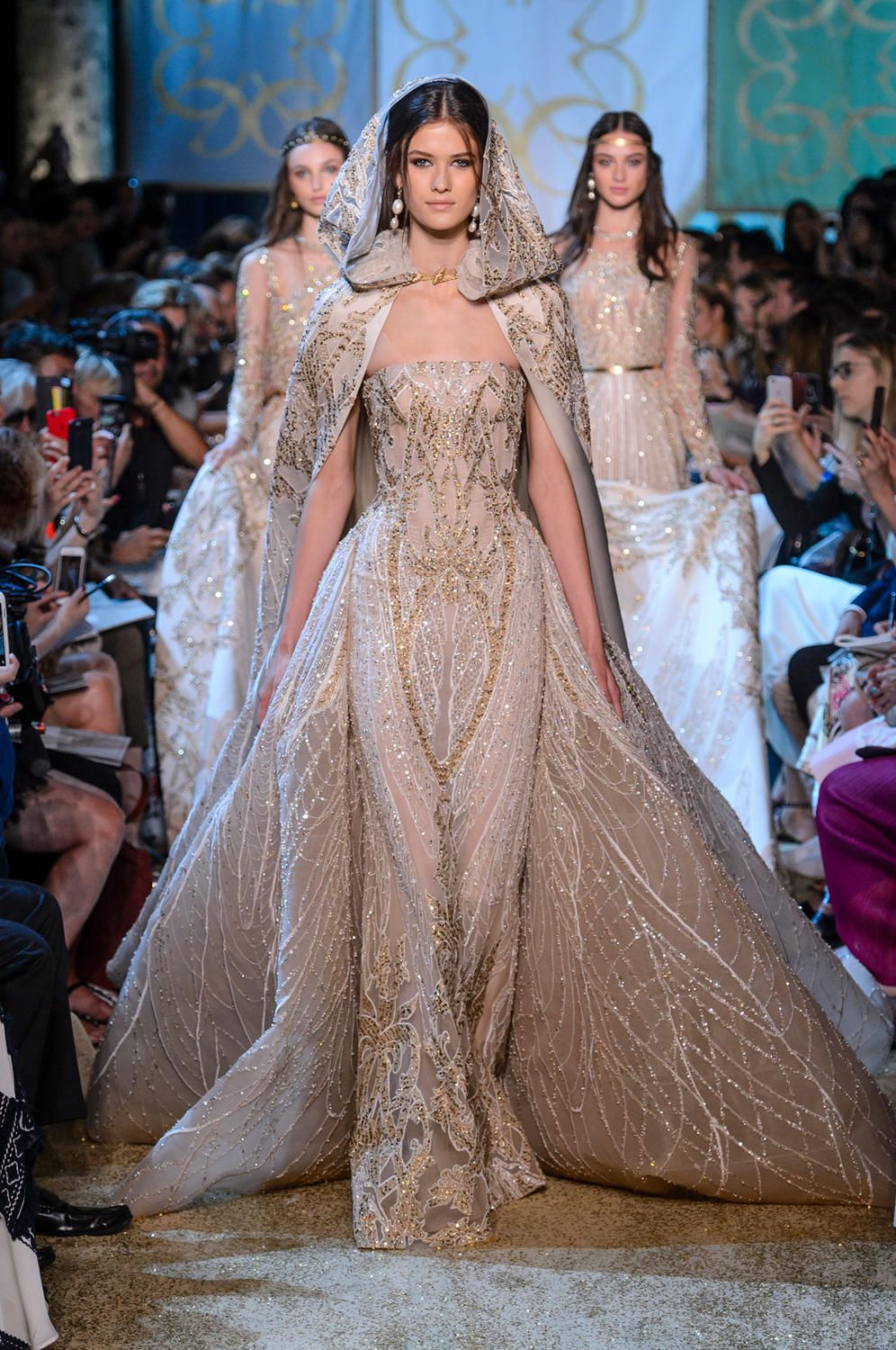 elie saab definitely watched 39 game of thrones 39 before designing the fall 2017 haute couture. Black Bedroom Furniture Sets. Home Design Ideas