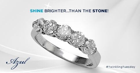 This 5 Stone Wedding Ring from Azul is an awesome gift for the