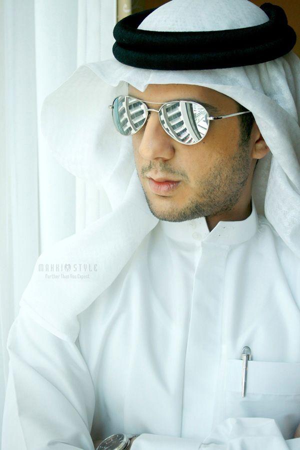 صور شباب بالزي الخليجي صور شباب خليجي Homens Arabes Homens Beleza Arabe