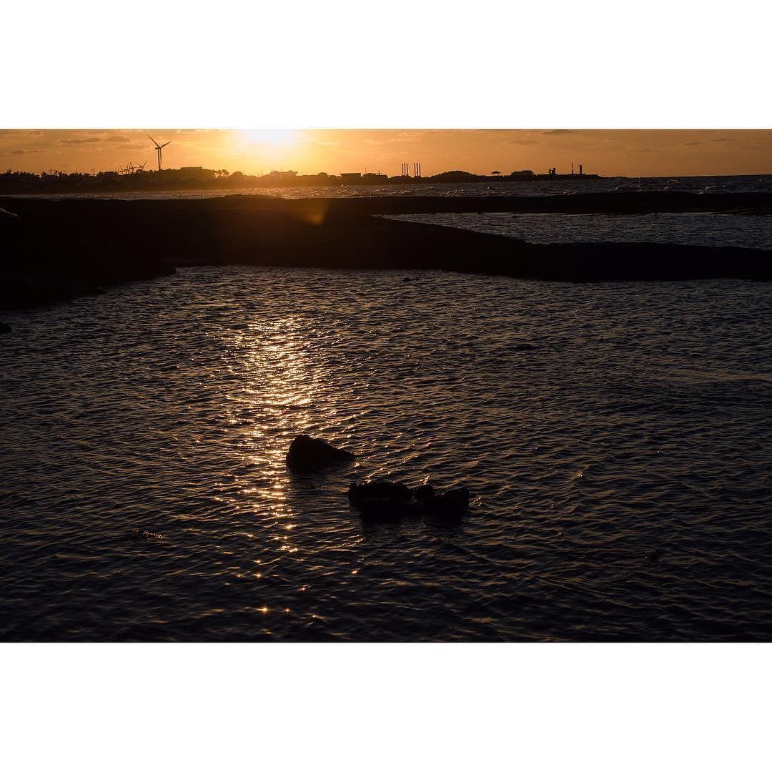 . . . . #협재해수욕장 #노을 #바다 #제주도 #제주 # #landscape #sunset #jeju #ocean #beach