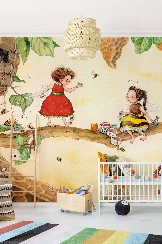 Vliestapete Madchenzimmer Erdbeerinchen Erdbeerfee Bei Der Bienenfee Erdbeerinchen Erdbeerfee Tapeten Madchenzimmer