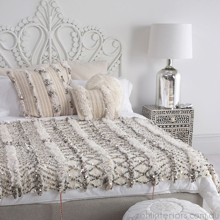 Moroccan style bedroom- white chic