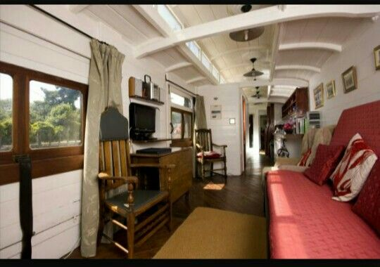 Vagón tren interior | casas alternativas | Pinterest