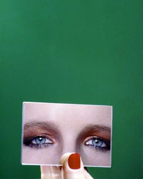 By: Guy Bourdin – 1977 #artist #vouge (på/i Stockholm, Sweden)