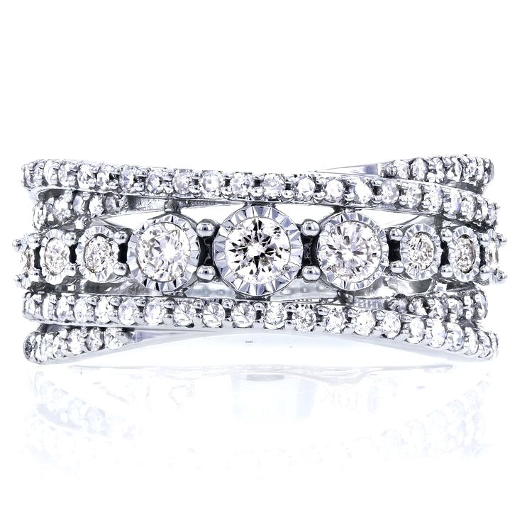 Diamonds Wrap Over And Under In A Crisscrossing Design On This 10