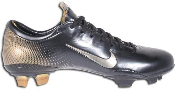 check out 67714 a21c9 Nike Mercurial Vapor iii Black and Gold