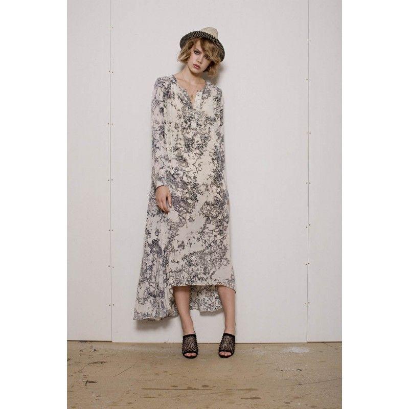Project AJ117 Faitheen kjole   Lang beige kjole med mønster og detaljer