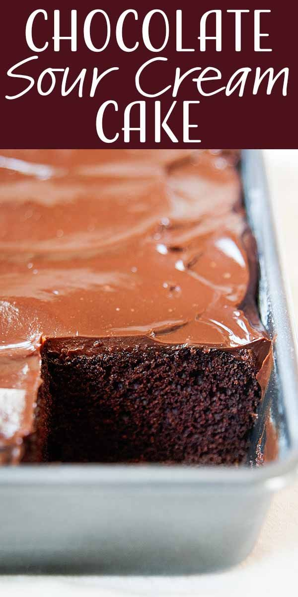 Chocolate Sour Cream Cake {Homemade Frosting} | Si