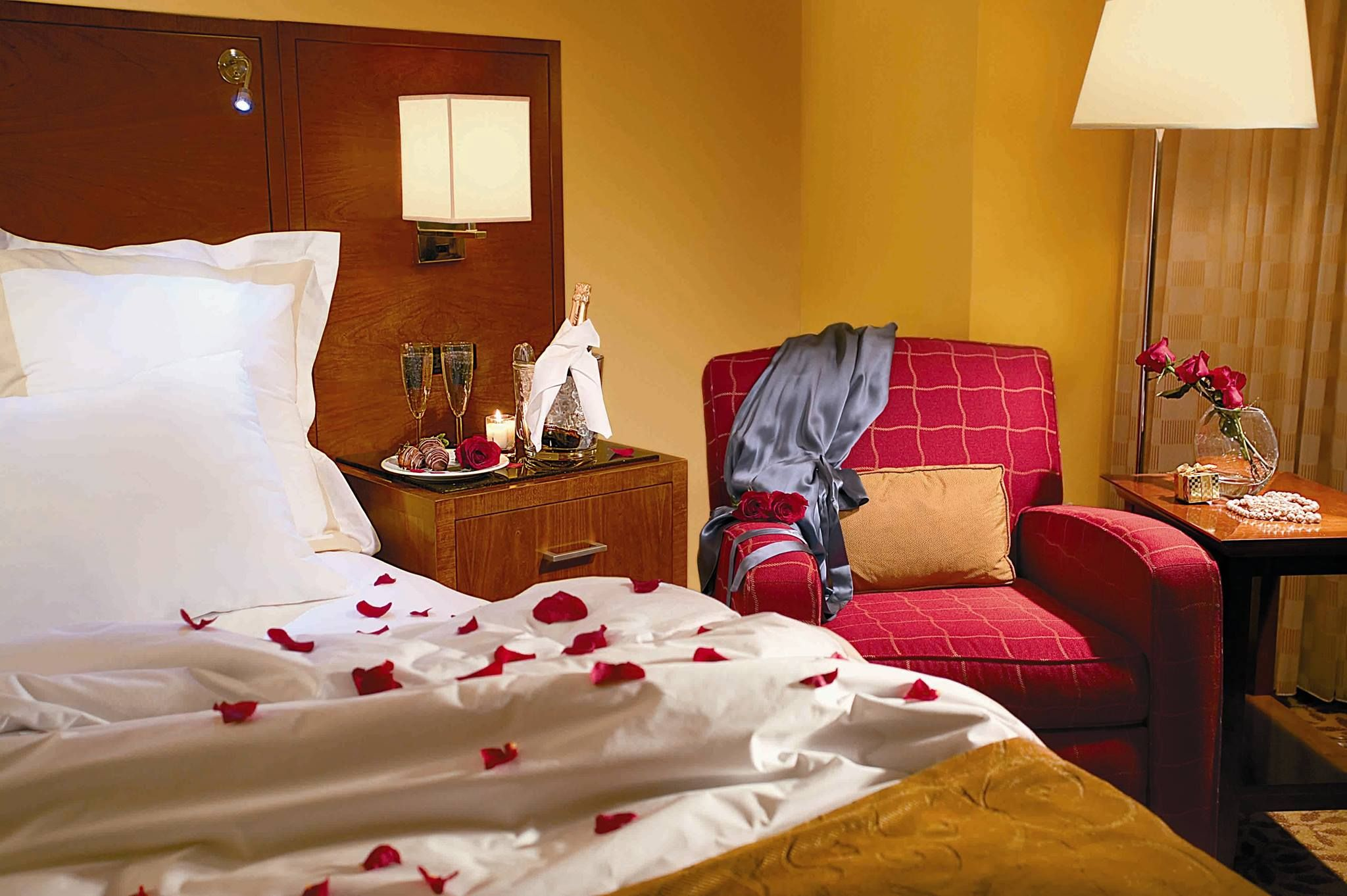plan a romantic getaway or start off your honeymoon at the atlanta