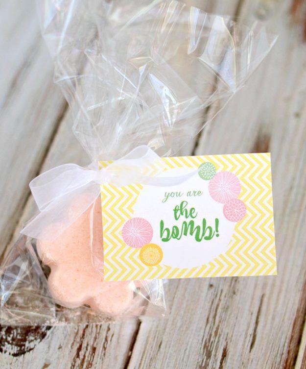 Free printable bath bomb gift tags cricut projects pinterest free printable bath bomb gift tags bath bombsdo it yourselfgift solutioingenieria Choice Image