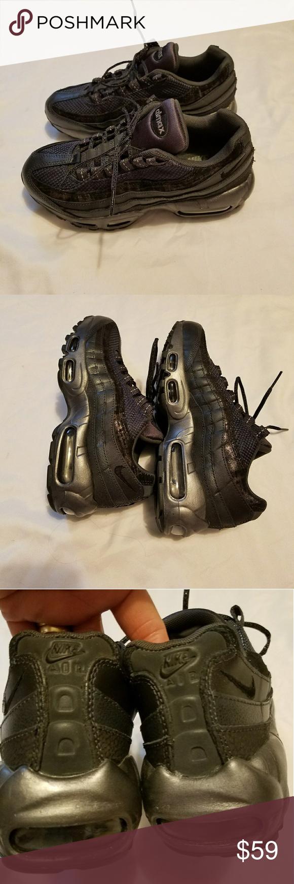 Nike air climax Shoes. Cute Nike air climax shoes.Size 6