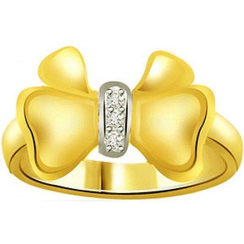 0.03 cts 3 Diamond 18K Ring
