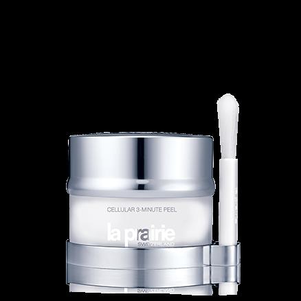 Cellular 3-Minute Peel Se aplica fácilmente con un pincel aplicador profesional. Utilícelo semanalmente y, con el uso continuado, observe como los poros disminuyen y la piel se vuelve más firme, más luminosa y las arrugas se reducen visiblemente.