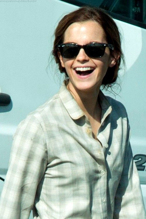 """ Emma Watson on set of  Colonia   October 03, 2014  "" More pictures. "" 9dc5139d8ba5"