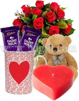 12 Pieces Red Roses Decorated In A Bouquet With Love Candle Love Mug