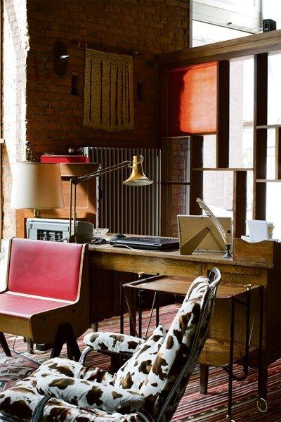 BINNENKIJKEN. Bonte loft in de Gentse havenbuurt - De Standaard: http://www.standaard.be/cnt/dmf20150626_01749759