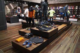 hipótesis Glosario excepción  Nike Passeig de Gracia: Nike Stores Around the World (NSAW) | Diseño de  tienda de zapatos, Diseño de tienda, Tiendas