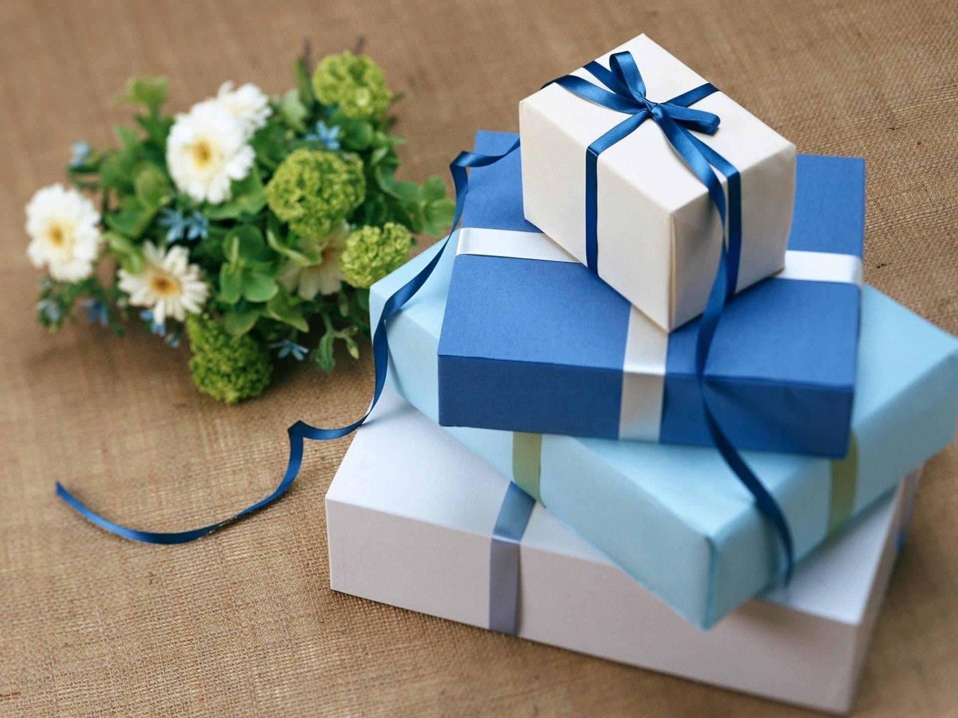 Wedding Gift Amount Types Of Wedding Gifts Wedding Gifts Gifts