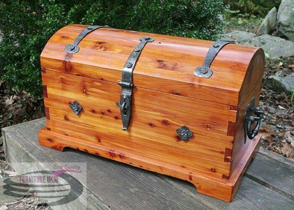 Kotak perkakas kayu jati serbaguna adalah sebuah kotak ...