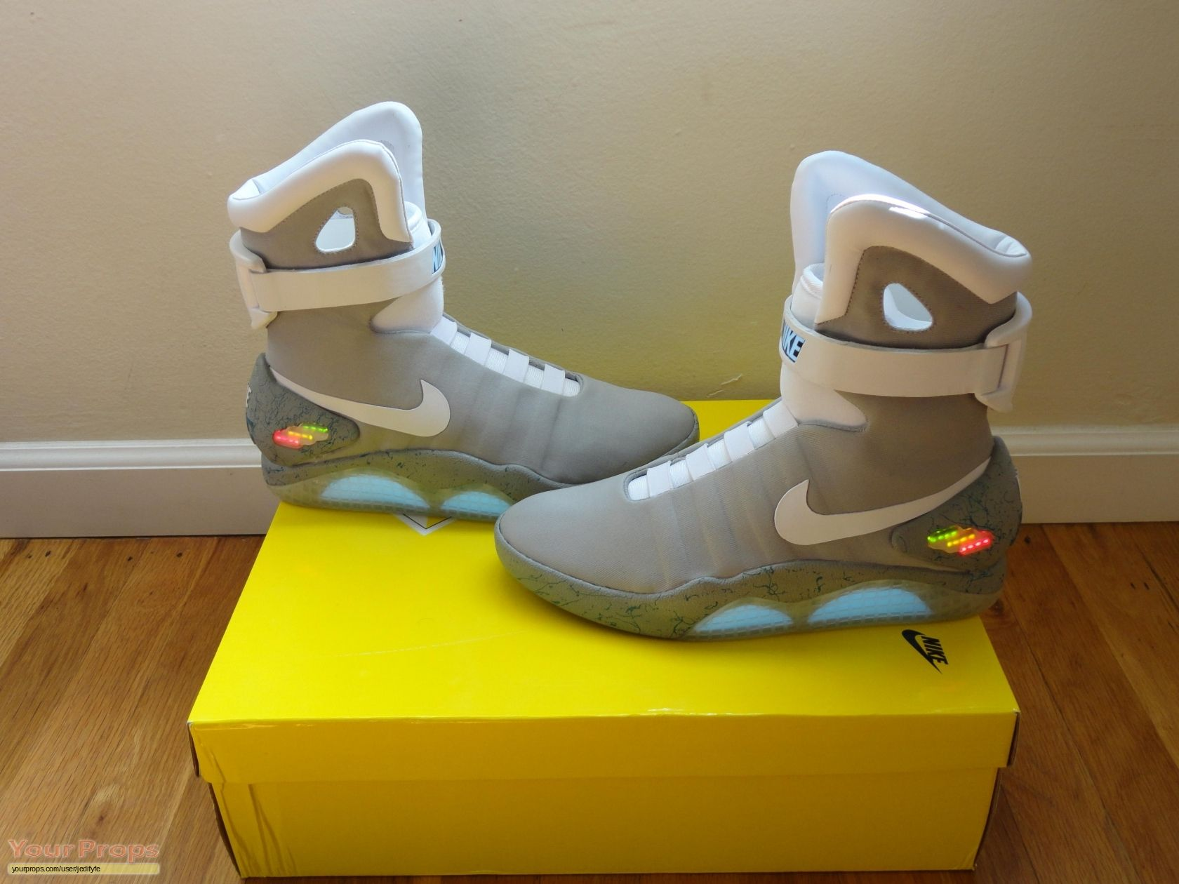 Cheap nike air mag china - Nike Mag S Replica Movie Costume From Back To The Future 2