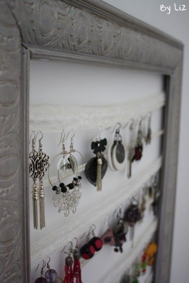 diy un porte boucles d 39 oreilles tout en dentelle rangement bijoux pinterest. Black Bedroom Furniture Sets. Home Design Ideas