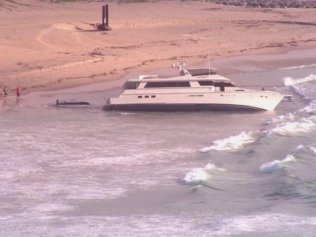 WPTV-yacht-washes-up-