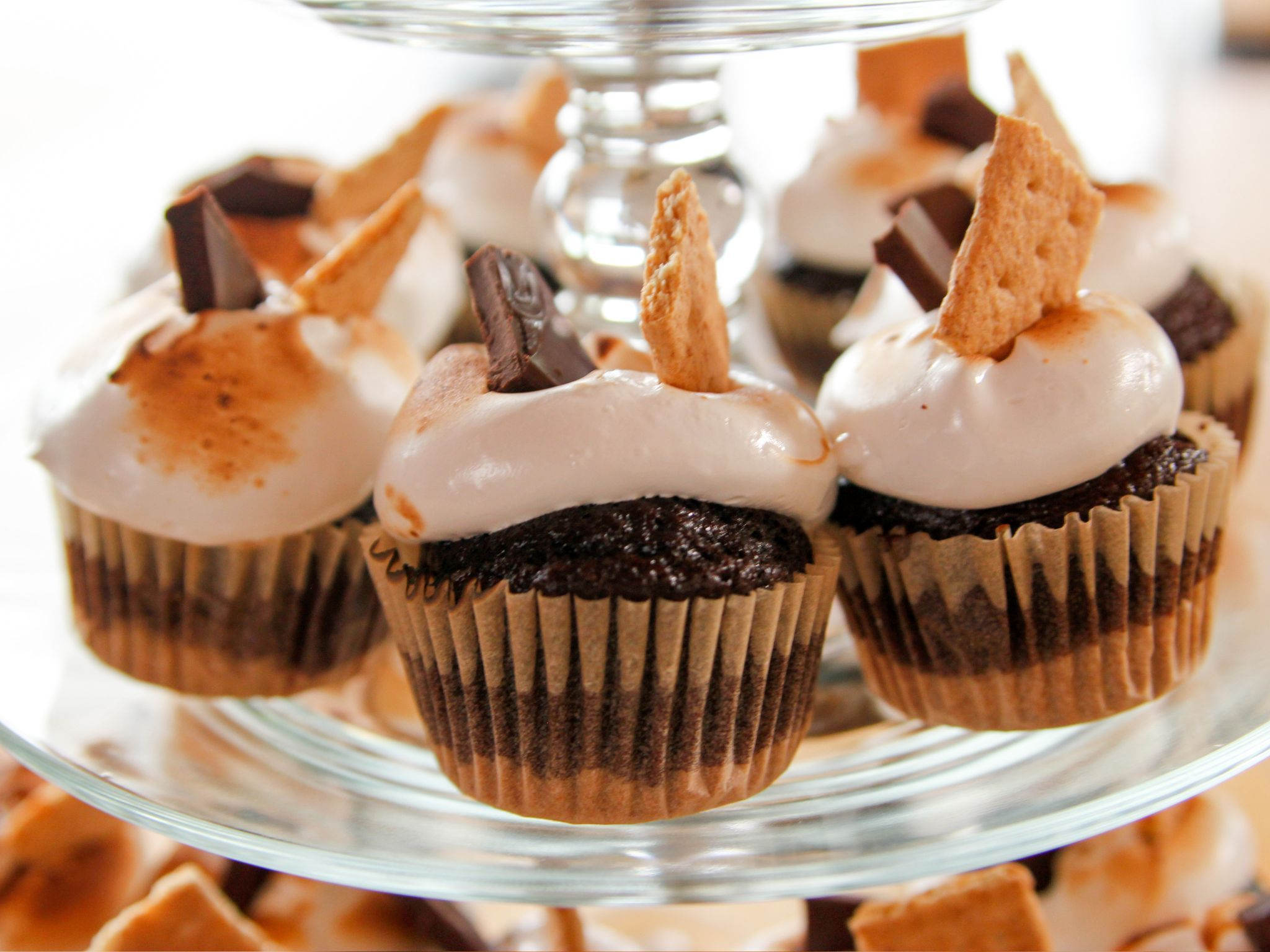S'Mores Cupcakes (can be halved) Super S'Mores Cupcakes recipe from Ree Drummond via Food Network(can be halved) Super S'Mores Cupcakes recipe from Ree Drummond via Food Network