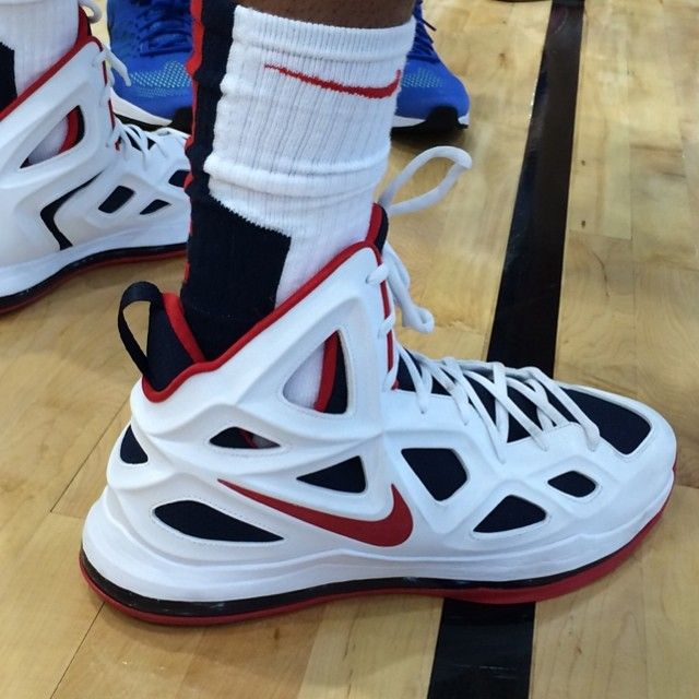 Anthony Davis wearing Nike Air Max Hyperposite 2